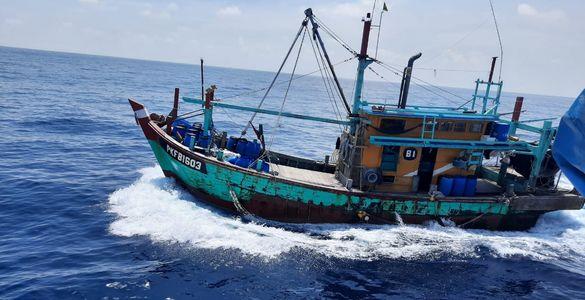 KPP Hiu 12 Tangkap Kapal Pencuri Ikan Asal Malaysia